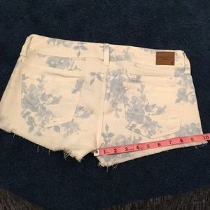 American Eagle Outfitters Shorts - American Eagle floral white denim shorts
